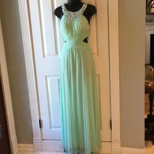 B. DARLIN emerald green PROM DRESS!! (brand new)